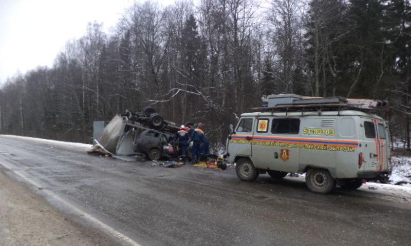 Три человека погибли в страшном ДТП в Ярославской области