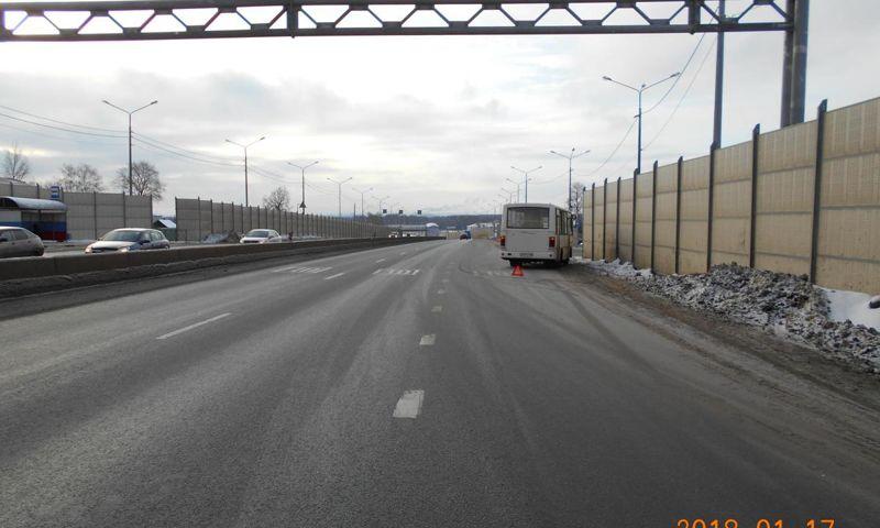 Под Ярославлем кондуктор упала в маршрутке и получила травмы