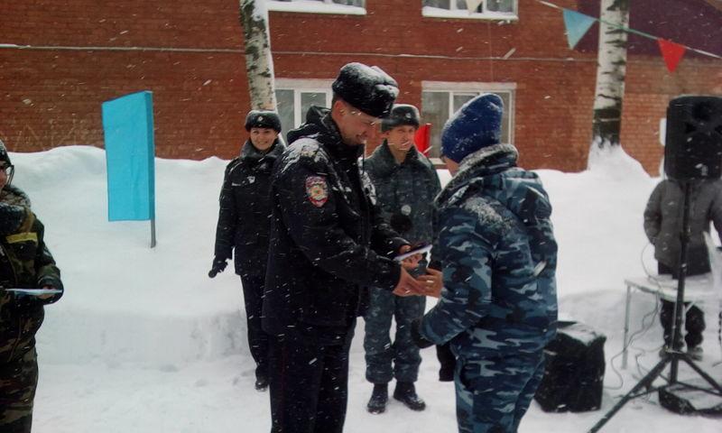 В Ярославле начал работу профильный лагерь отрядов правоохранительной направленности «Снежный десант»