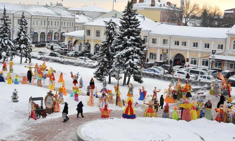В центре Ярославля установят 200 масленичных кукол