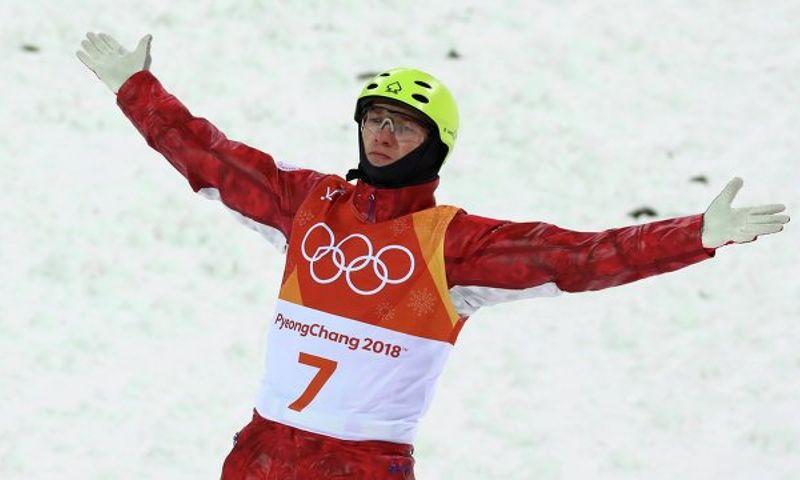 Дмитрий Миронов поздравил руководителя ярославской школы лыжной акробатики сбронзой Олимпиады в Пхенчхане Ильи Бурова
