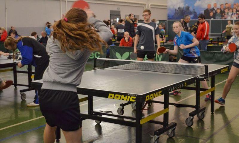 На первенство ЦФО по настольному теннису в Ярославль прибыли две сотни спортсменов