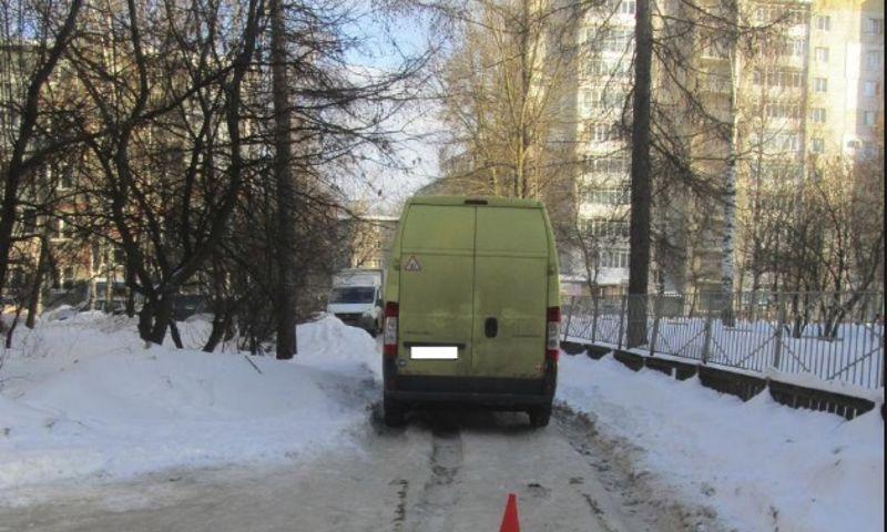 В Ярославле фургон сбил 77-летнюю женщину