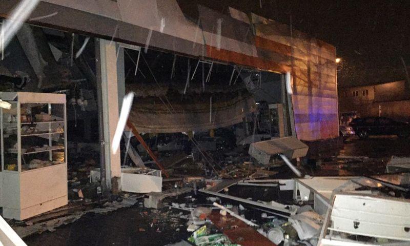 Обрушением крыши в продуктовом супермаркете заинтересовались следователи