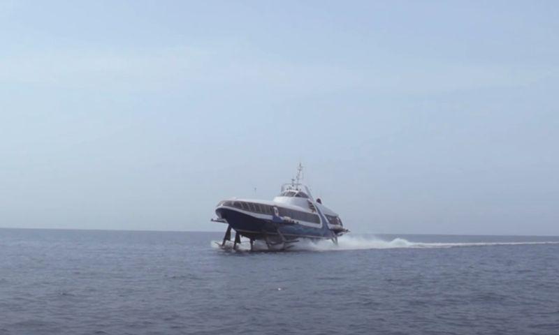 Завершились ходовые испытания уникального рыбинского судна на подводных крыльях: видео