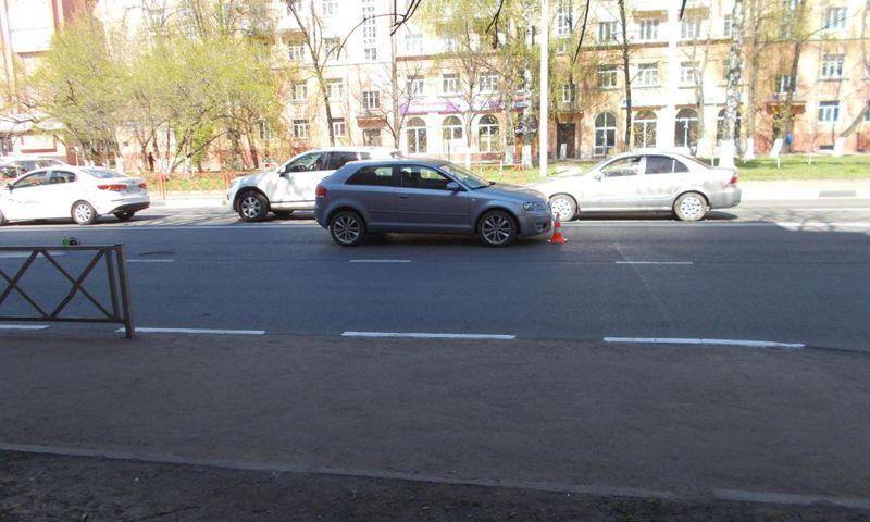 В центре Ярославля автомобиль «Ауди» сбил женщину
