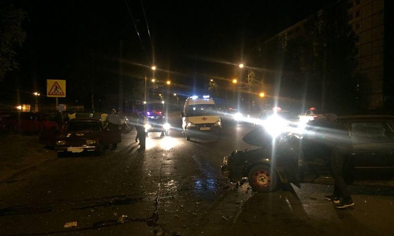 В Рыбинске после столкновения с иномаркой из «пятерки» выпал пассажир: видео