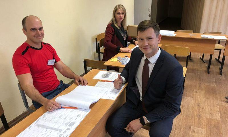 Жалоб от наблюдателей во время предварительного голосования не поступало - Чуркин