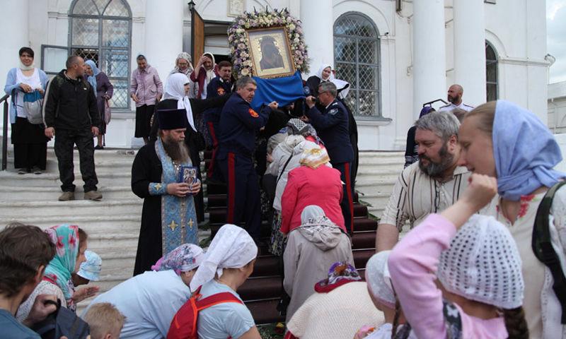 В Ярославле начался крестный ход продолжительностью 21 день