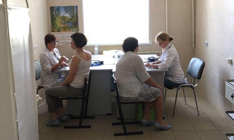 Жителей Ростовского района обследовали специалисты госпиталя ветеранов