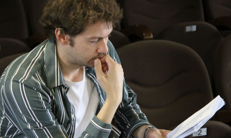 Актер «Современника» готовится сыграть Гамлета в Ярославской области