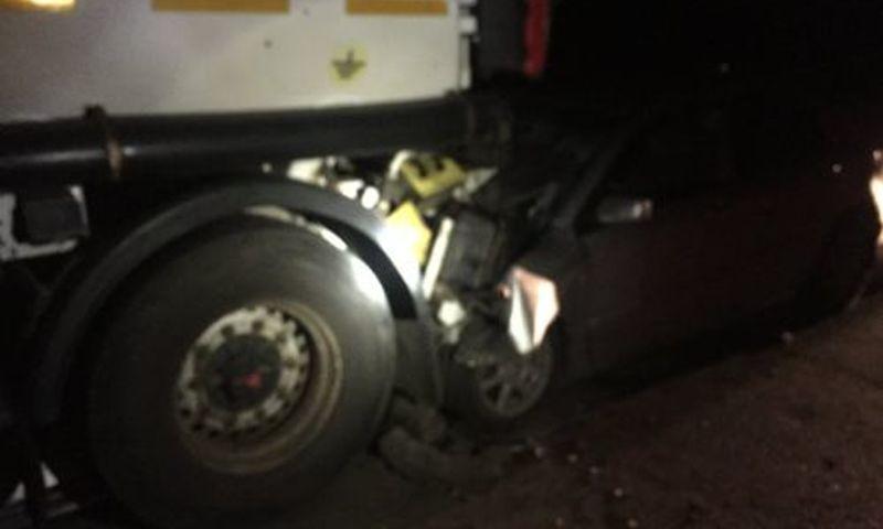 В Ярославской области легковушка влетела под фуру: пострадал водитель