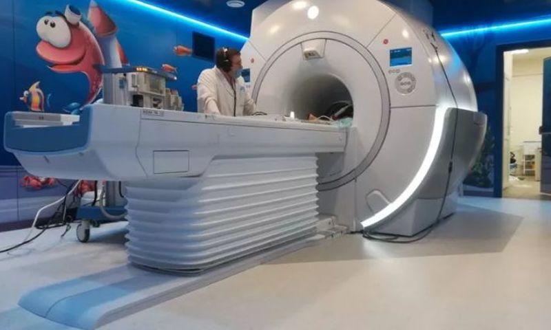 МРТ для малышей. В областной детской больнице появился наркозно-дыхательный аппарат, который позволит обследовать детей с рождения