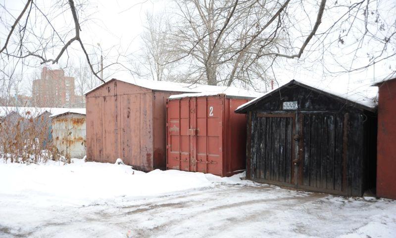 В одном из гаражных кооперативов Ярославля нашли тела мужчины и 16-летней девушки