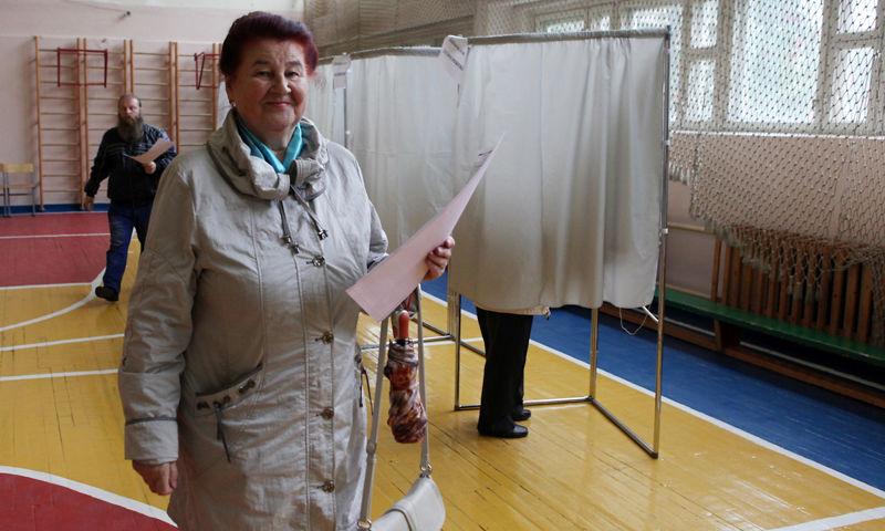 «Единая Россия» набрала 38%, по данным экзитполов, на выборах в муниципалитет