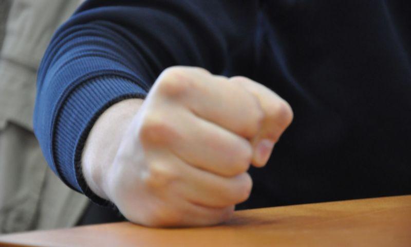 В Ярославле рецидивист жестоко избивал маму своей сожительницы