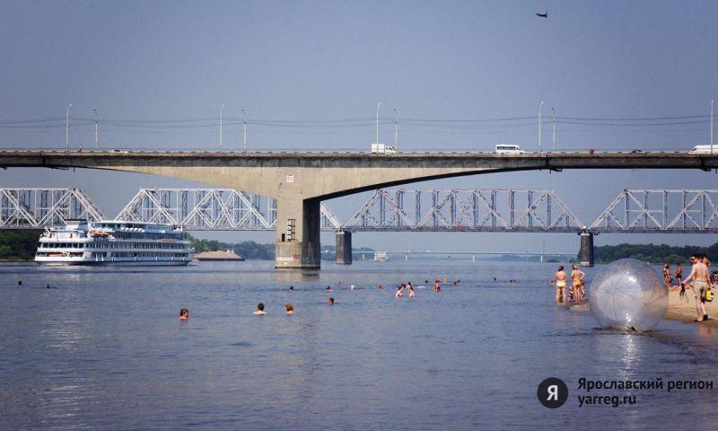 В Ярославле студент едва не спрыгнул с Октябрьского моста
