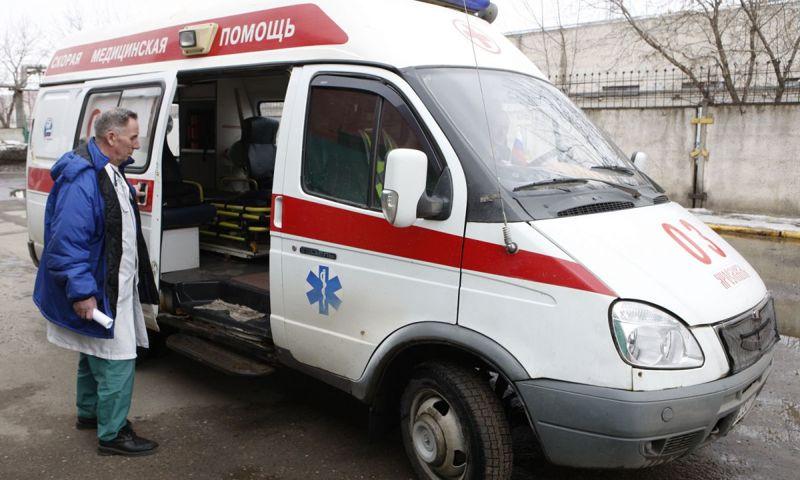 В Ярославском районе глыба льда упала на пятилетнего малыша