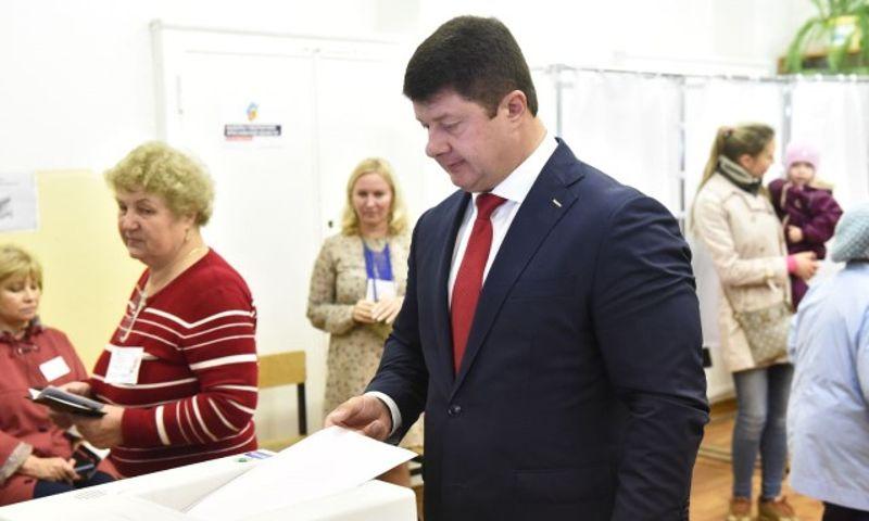 Доходы мэра Ярославля Владимира Слепцова за год снизились на 3,6 миллиона рублей