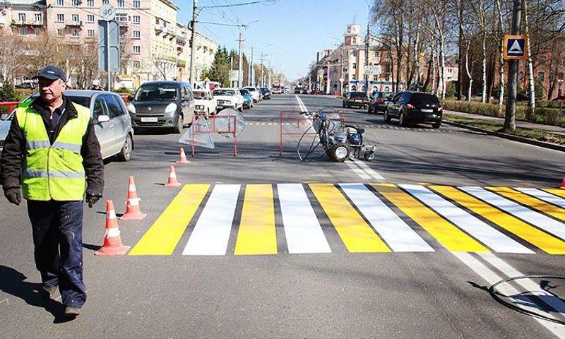 В Ярославле начнут наносить разметку на дороги при наступлении теплой погоды
