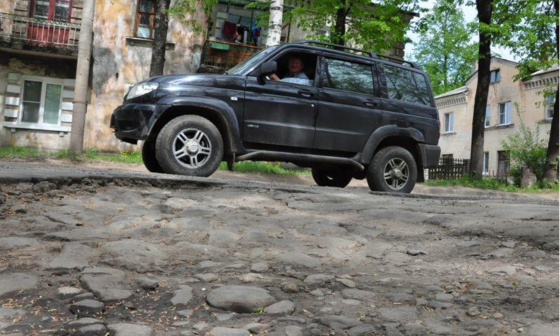 Прокуратура потребовала отремонтировать дороги в Ростовском районе
