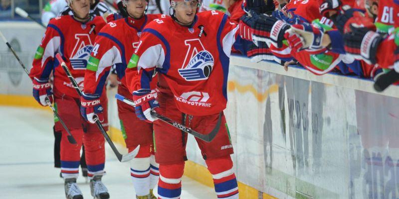 «Локомотив» продлил контракт со Стаффаном Кронваллем