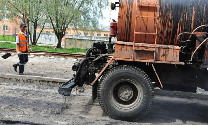 Два шоссе и одну улицу отремонтируют в Ярославле в понедельник