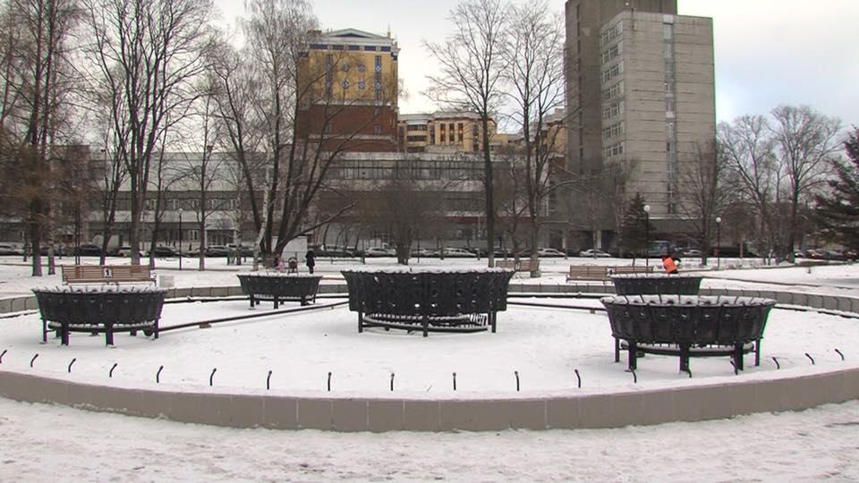 Дмитрий Миронов жестко раскритиковал мэрию за ремонт фонтана в центре Ярославля