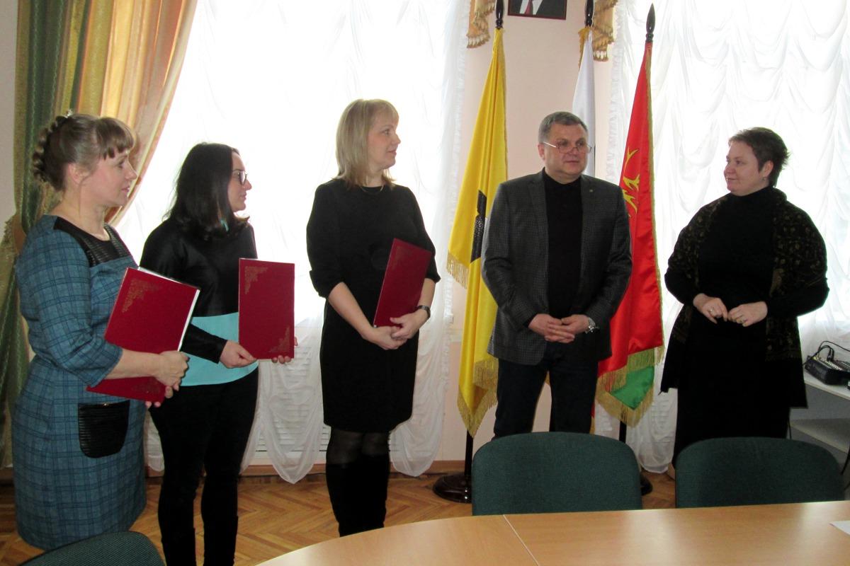 Многодетные семьи в Ярославской области бесплатно получили более двух тысяч участков