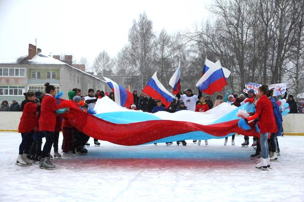 Жители Некрасовского на хоккейном турнире проголосовали за включение в проект «Решаем вместе!» набережной реки Солоницы
