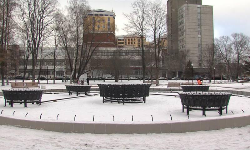 С подрядчиком, который отвечал за ремонт фонтана на площади Мира, расторгли контракт