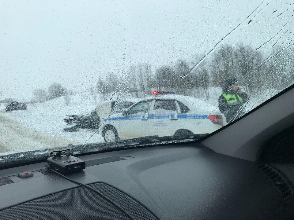 Жуткое ДТП на дороге Ярославль-Рыбинск: двое пострадавших