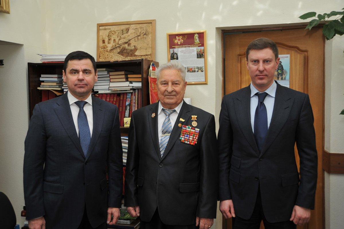 Дмитрий Миронов поздравил ветерана Александра Каменецкого с днем рождения