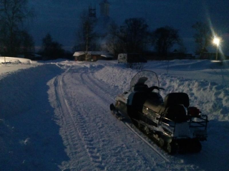 Спасатели привезли продукты и лекарства жителям деревень, отрезанных от цивилизации из-за снегопада