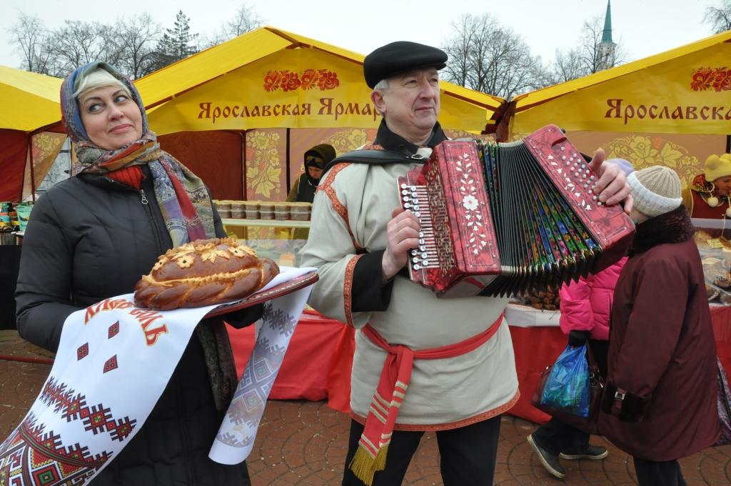 В Ярославле открылась межрегиональная масленичная ярмарка продовольственных и фермерских товаров