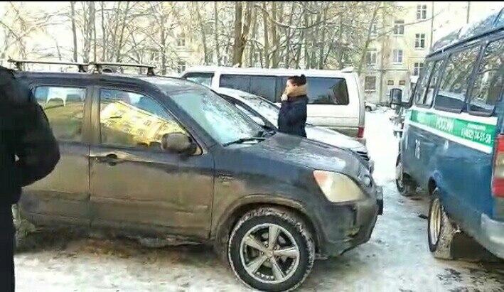 В Ярославле приставы описали имущество хостела: видео