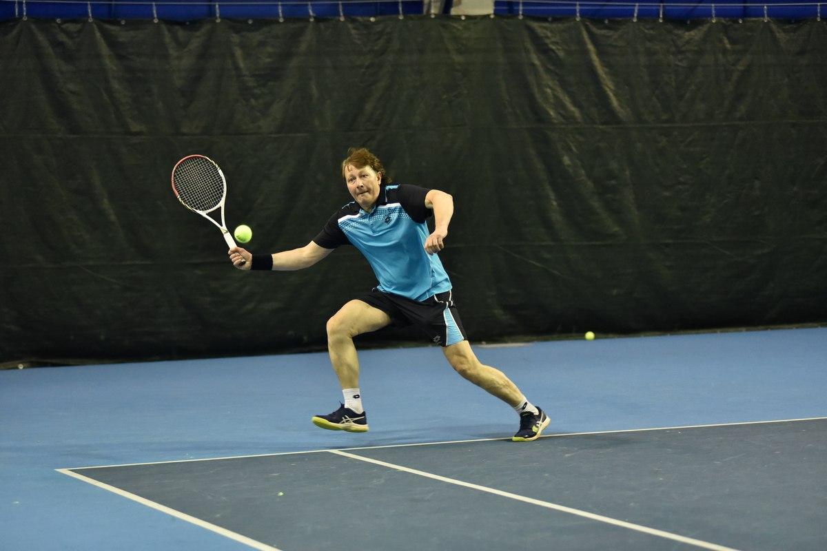 В Ярославле впервые проходит зимний чемпионат России по теннису среди ветеранов