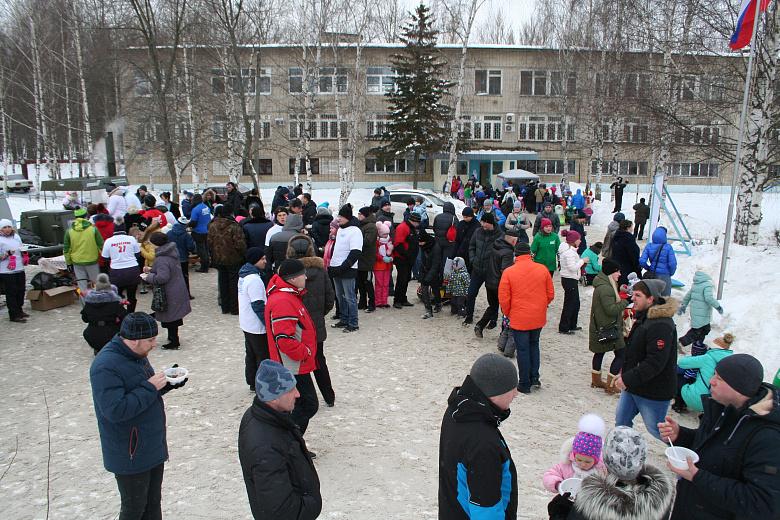 Жители микрорайона Липовая гора провели праздник в поддержку включения парка Победы в проект «Решаем вместе!»