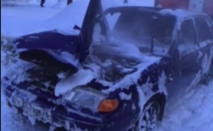 В Ярославской области сгорели два автомобиля