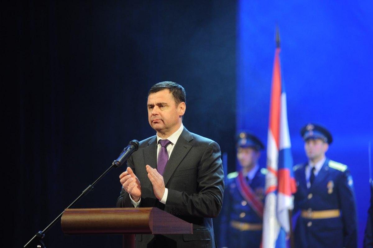 В преддверии Дня защитника Отечества Дмитрий Миронов вручил региональные награды