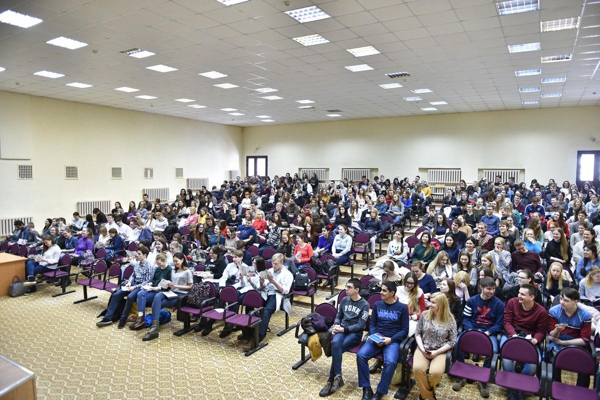 Студенты ЯГМУ обсудили варианты благоустройства ярославских парков и скверов по программе «Решаем вместе!»