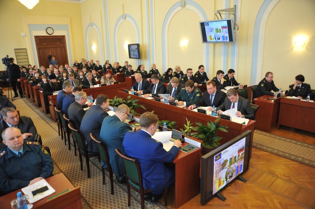Судебными приставами в Ярославской области за год взыскано свыше 5,6 миллиарда рублей