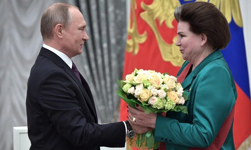 Президент России Владимир Путин поздравил Валентину Терешкову с днем рождения