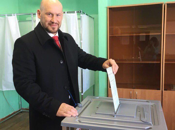 Илья Горохов рассказал, почему пришел на избирательный участок