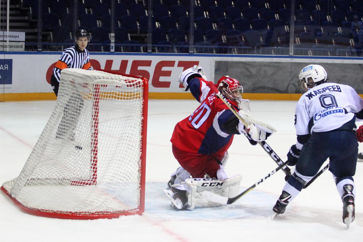 «Локо» уступил «Динамо» в первом матче четвертьфинала Кубка Харламова