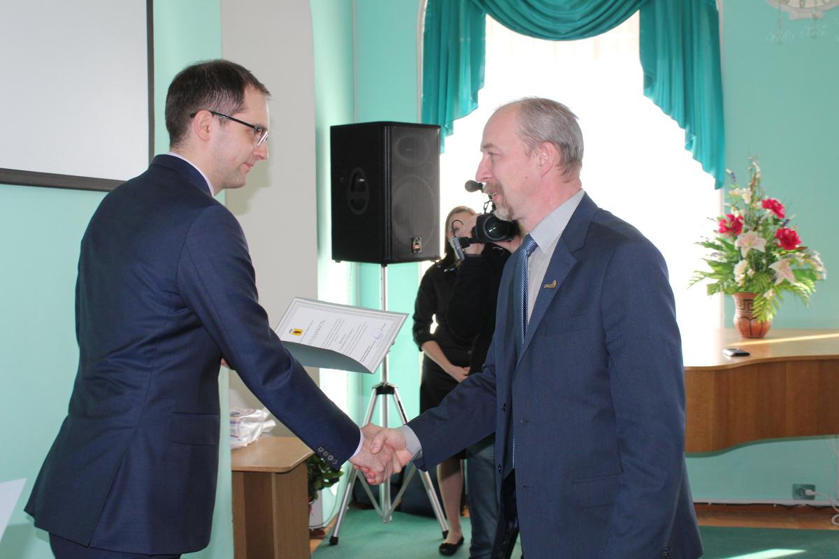 Победителей Х всероссийского фестиваля ProFest и их наставников наградили в правительстве