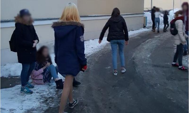 В центре Ярославля сверстники напали на школьницу. Психолог о том, чем обусловлена подростковая жестокость