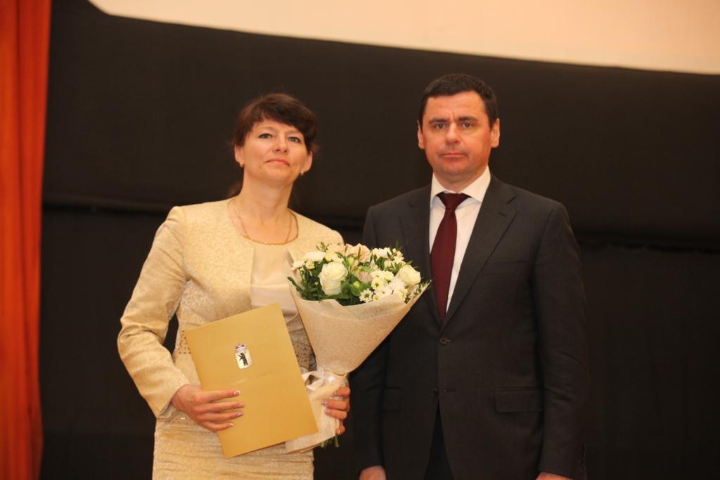 Дмитрий Миронов вручил сотрудникам органов местного самоуправления региональные награды