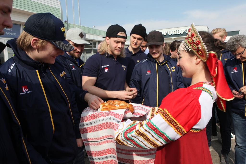 В Ярославль на матч Евротура прибыли хоккеисты сборной Швеции