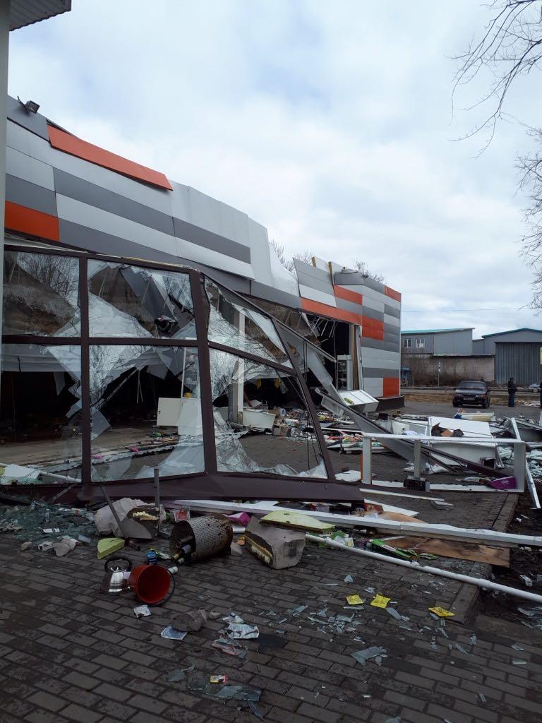 Проверку по факту обрушения крыши в супермаркете в Рыбинске проводит прокуратура